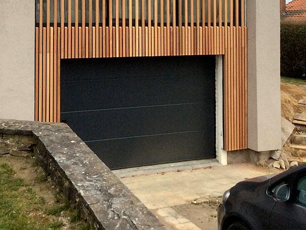 installer une porte de garage ou un portail à votre maison
